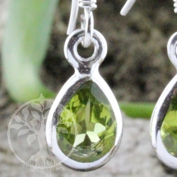 Earring Peridote faceted Drop