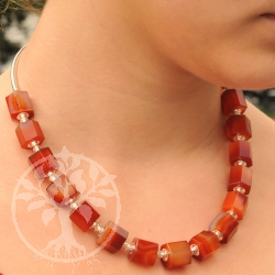 Karneol Halskette Prisma Collier Roter Drache