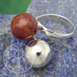 Silver ring with coral and pearl