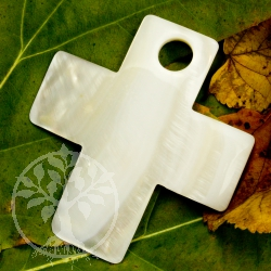 Cross shell mother of pearl pendant