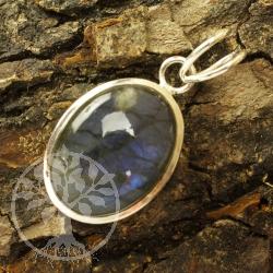 Labdradorit silver pendant SMALL, AA quality split eyelet