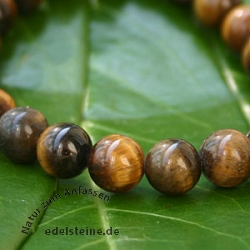 Courage - Tiger eye Bracelet with natural Gemstones an Powerbead