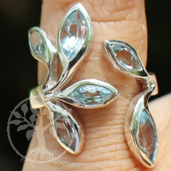 Silver Ring with six leaf faceted Topas-Gemstone