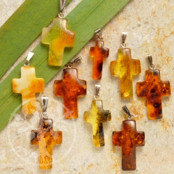 Amber Pendant Cross