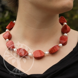 Coral necklace with pearls single piece