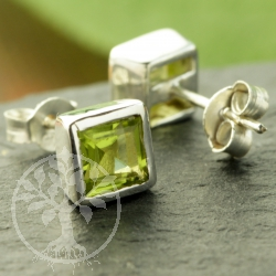 Peridot stud earrings square sterling silver 925