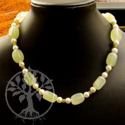 China Jade Serpentin mit echten Zucht-Perlen Weiß
