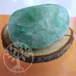 Fluorite sculpture green 500-600grams