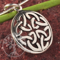 Celtic Knot Pendant in Sterlingsilver 925.
