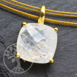 Rainbow Moonstone Gold Pendant Facetted Square