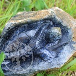 Schildkröte im Muttergestein aus Dumortierite 141x80x100mm