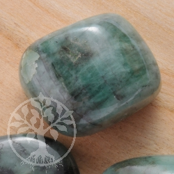 Emerald/Smaragd Trommelstein 18-25mm