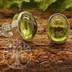 Peridot Stud Earrings Oval Sterlingsilver 925 7x9mm