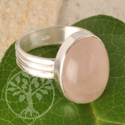 Rose quartz ring - oval - size 59 - eye of Venus