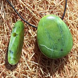 Echte Jade Edelstein Anhänger natürlicher extra flacher Nephrit Stein gebohrt 30/35x6mm