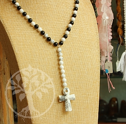 Cross Neklace Black and White Stone Beads  Y Chain Shape