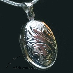 Medaillon aus echtem Silber mit Gravur oval