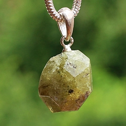 green garnet pendant stone 17 mm