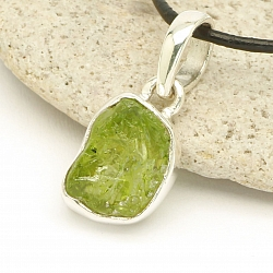 Peridot Pendant Facetted Sterlingsilver 925 15x9mm