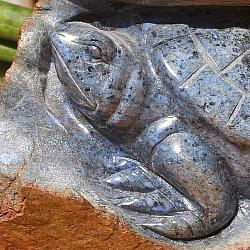 Schildkröte Edelstein mit Muttergestein Dumortierite ca.80x150 mm