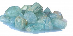 Aquamarine tumbled stone 13/17mm.