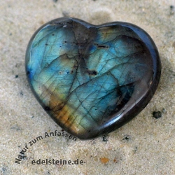 Labradorite Heart Shaped Handstone 03x25/30mm