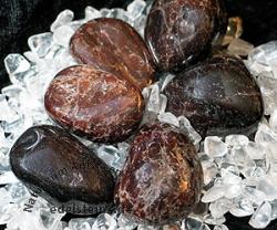 Granat Trommelstein gross