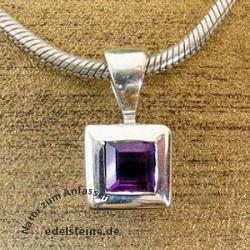 Silber-Anhaenger viereckig mit Amethyst