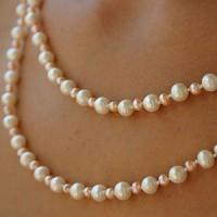Perlenkette Extralang Weiss/Rose
