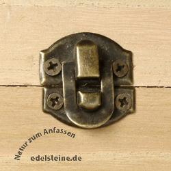 holzboxen holzschatulle schatztruhe mit edelsteine. Black Bedroom Furniture Sets. Home Design Ideas