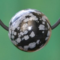 Schneeflocken-Obsidian Kugel Anhaenger 20mm