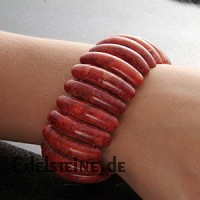 Korallen - Armband in Halbmondform
