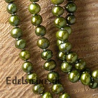 Pearl necklet green