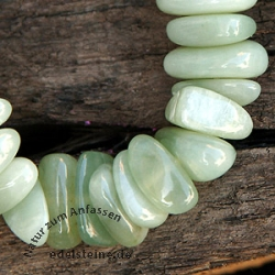 China Jade (Serpentin) Trommelstein - Armband 20mm