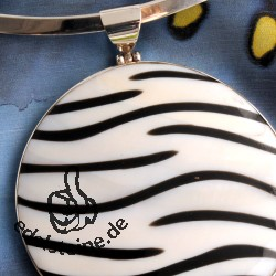 Zebra shell pendant with silver BIG 3