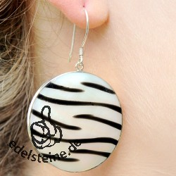Zebra-Shell ear pendant with silver 1