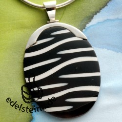 Zebra shell pendant with silver 8