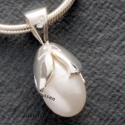 Perle als Anhänger mit Silber Weiss