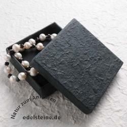 Schmuckbox schwarz handgeschöpft 10x10x3 cm
