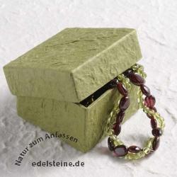 Kleine Schmuckbox grün handgeschöpft 5,5 x 5,5 x 3,5 cm