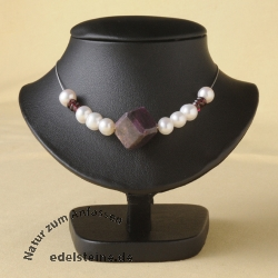 Bust for necklace sl black