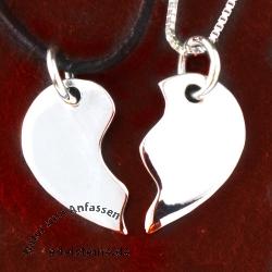 Herz aus Silber geteilt Liebe