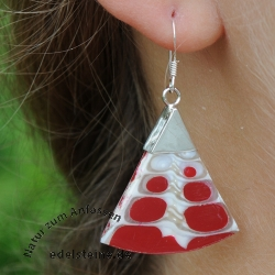 Red Spider-Shell Ear-Pendant symmetrical