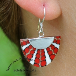 Red Spider-Shell Ear-Pendant beam