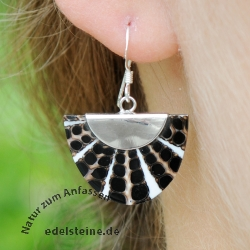 Black and White Spider-Shell Ear-Pendant