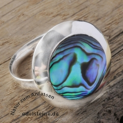 Iridescent mother of pearl ring blue 21mm