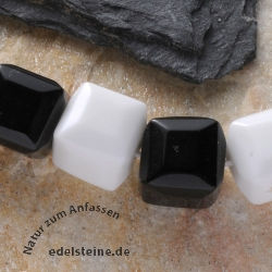 Gemstone-Beads Black White Obsidian cube facetted