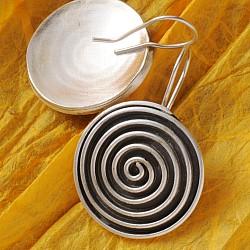 Silber Ohrhänger schwarze Spirale
