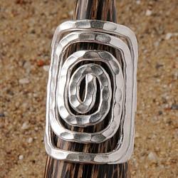 Silber Ring aufgerollt