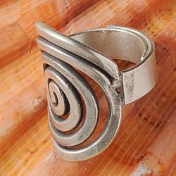 Silber Ring oxidiert und aufgerollt